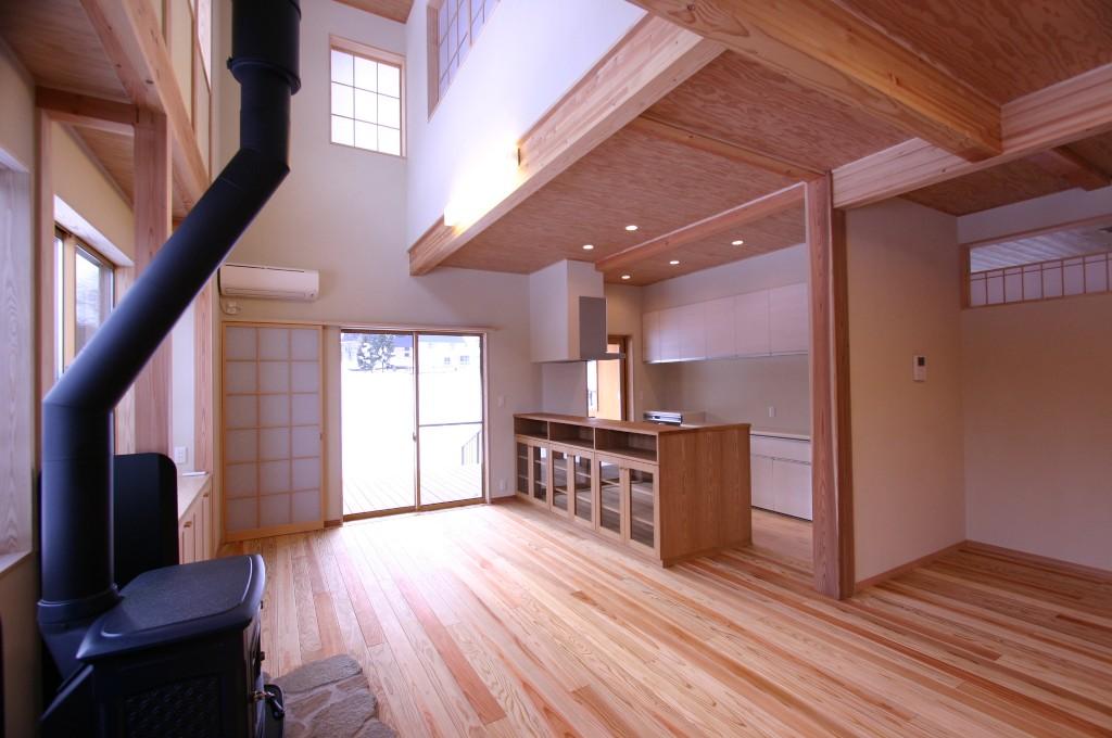 薪ストーブの家
